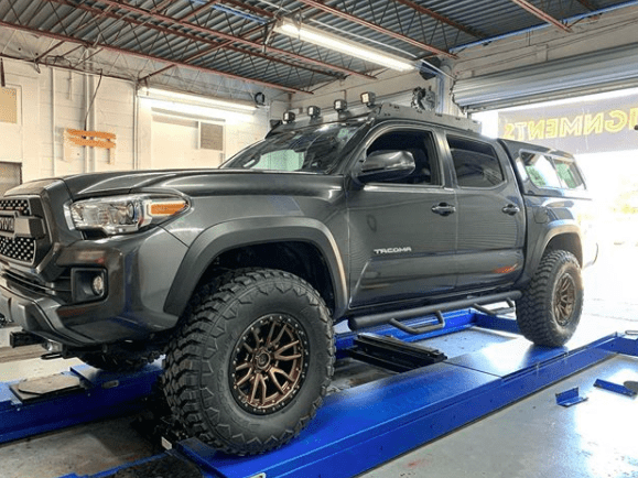 Are Larger Tires And Wheels Better For Offroading?